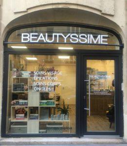 signalétique vitrine dépliants esthéticiennes institut de beauté coiffure Pixellecom